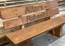 Holzbank, rustikal, mit Motiv (nach freier Wahl)