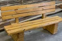 Holzbank, rustikal