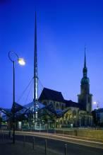 Reinoldikirche mit Pylon