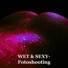 GUTSCHEIN: Wet&Sexy-Fotoshooting 45 Min. im Studio mit 3 bearbeiteten Fotos + Poster