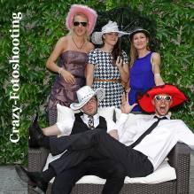 GUTSCHEIN: Crazy-Fotoshooting 60 Min. im Studio oder Outdoor mit Accessoires und 5 bearbeiteten Fotos