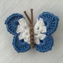 Schmetterling gehäkelt - weiß / mittelblau
