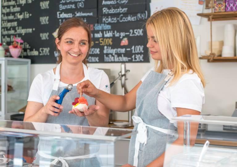 Eiscafé art & wEISe Monheim am Rhein