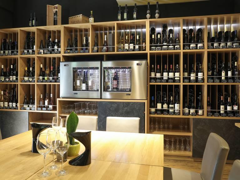 A Guddesch Vinothèque Beringen