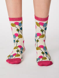 Socken Thought Clothing