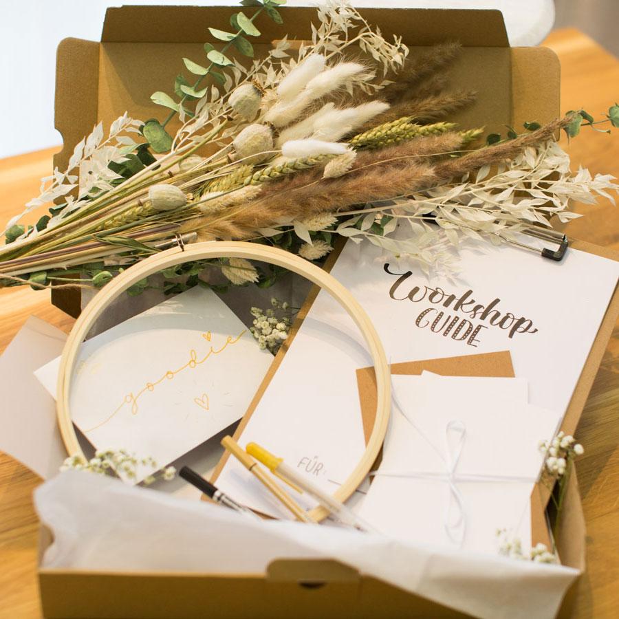 """Handlettering & Bastelbox """"Hochzeitsgeschenk"""" Online-Workshop"""
