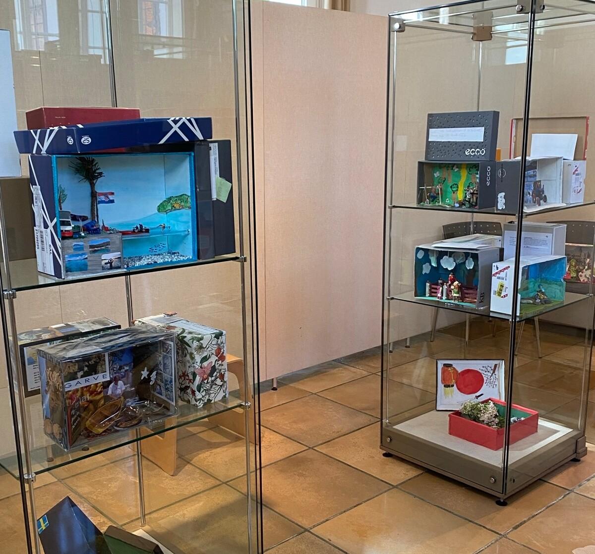 Ausstellung - Lieblingsland im Schuhkarton