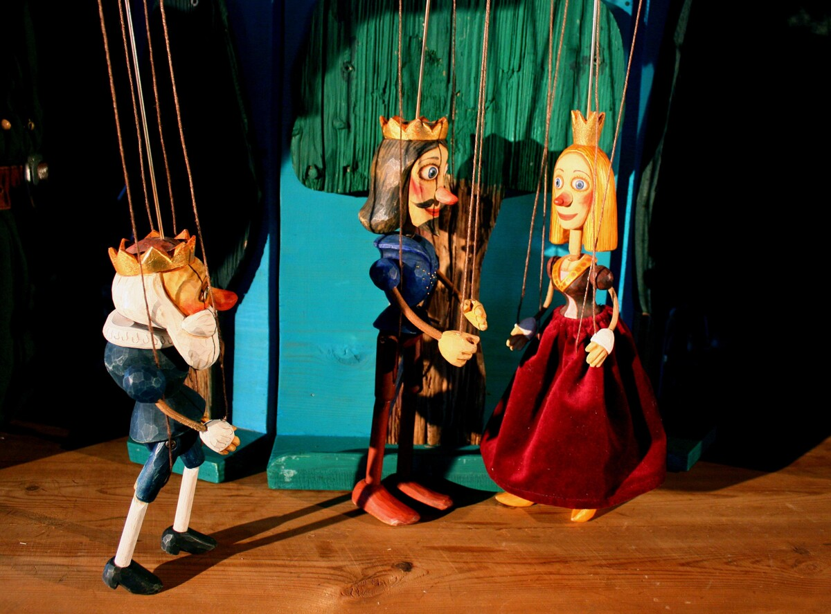 Theater Knuth - Prinzessin Piparella und die 24 Ritter