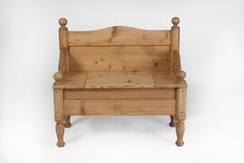Sitzbänke Gertrudenhof