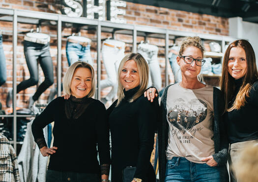 La Marka Fashion women & men