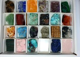 Pierres brutes & minéraux Figurines Edelsteinhandel Schmit