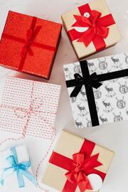 Kits de cosmétiques Coffrets cadeaux pour le bain et le corps Maquillage Divers: Rosalia, Naturado, Avril,....
