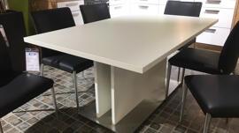 Tables Eisleker Miwwelstrooss