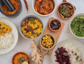 Delikatessen Präsentkörbe Fertiggerichte Currysauce Reis Frisches & Tiefgefrorenes Fleisch Yaka by Hotel Terrace