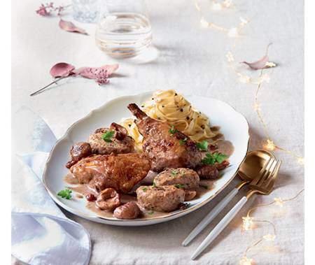Chapons Français, sauce champignons petits farcis aux châtaignes