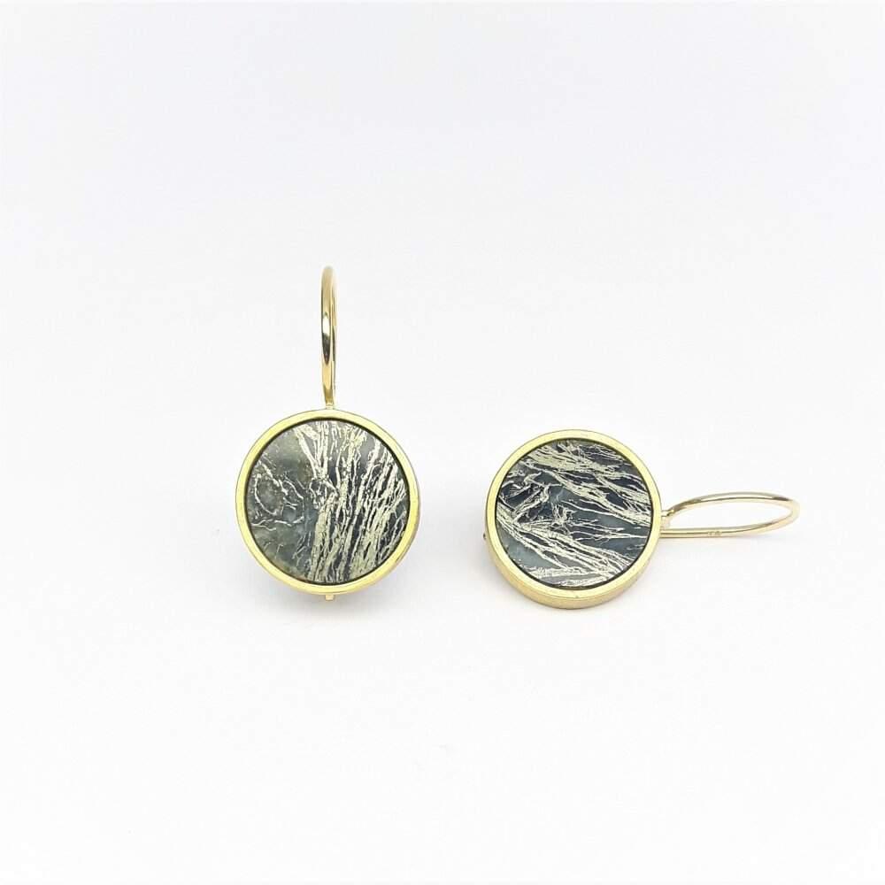 Boucles d'oreilles en or jaune 18kt et pyrite. Pièce unique.
