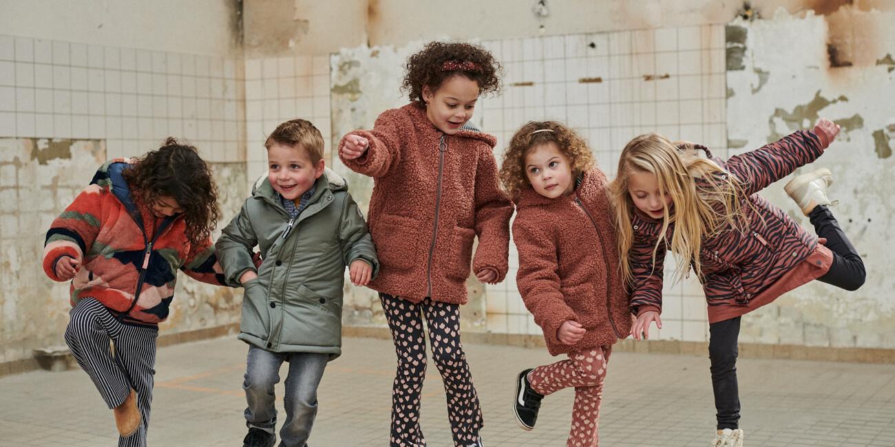 Kuschelige Herbst-Outfits für große und kleine Kids