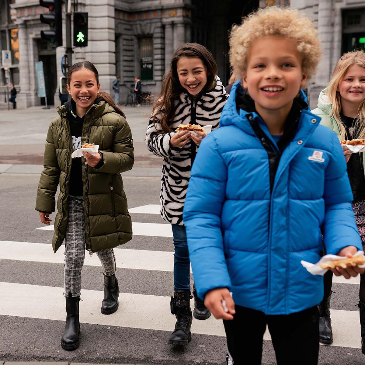 Kuschelige Herbst-Outfits für große und kleine Kids.