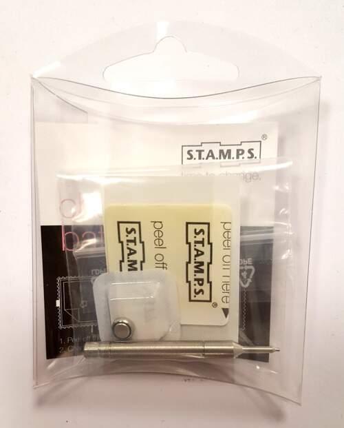 das Original: Service-Kit mit Batterie und Klebepad zum versiegeln der Uhr gegen das Eindringen von Feuchtigkeit